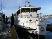 Houseboat Lotus